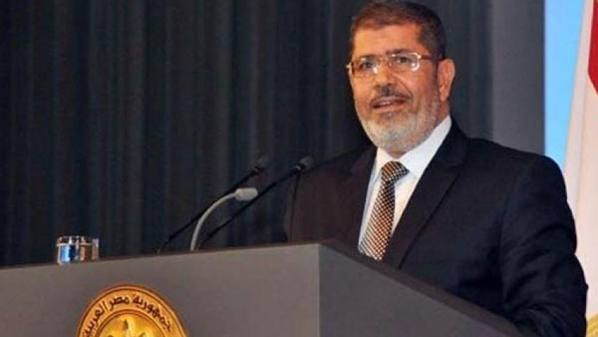 فيس بوك وتويتر: تعليقات ساخرة وأخرى مؤيدة لمرسي