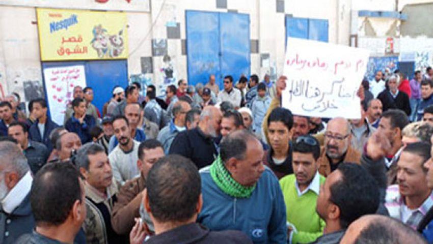 انضمام والدة شهيد الشرطة بالسويس للمتظاهرين