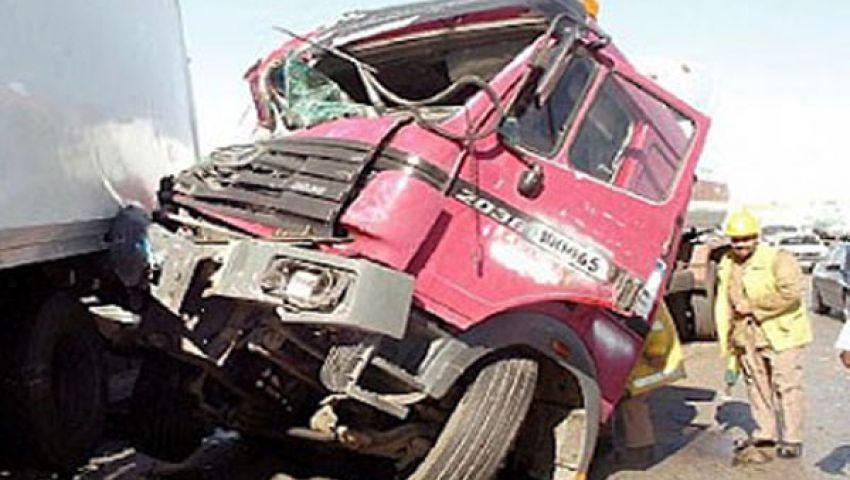 مصرع وإصابة 4 أشخاص في حادث تصادم على الصحراوى
