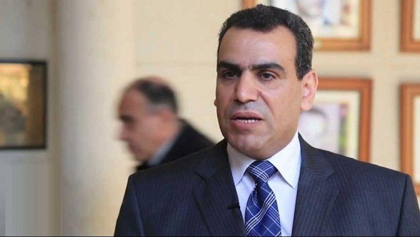 بعد إقالة مجاهد ...مثقفون: كرسي وزير الثقافة هو المطلوب