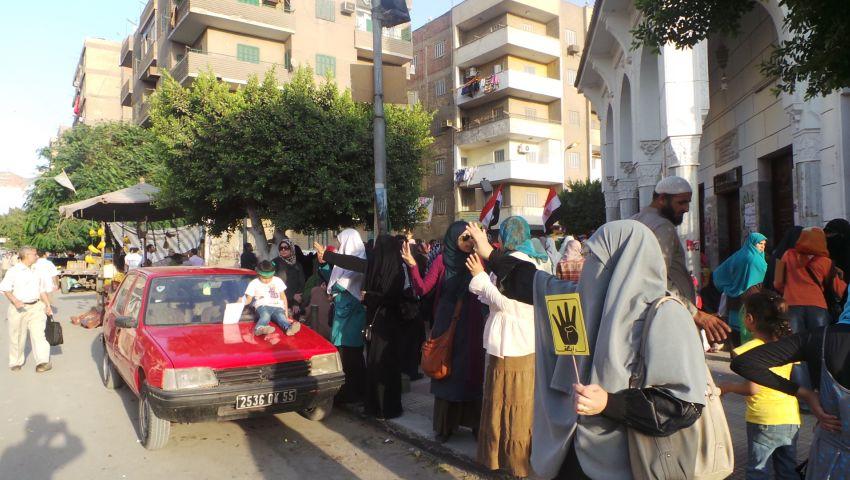 بالصور.. أنصار مرسي يتظاهرون بحلوان