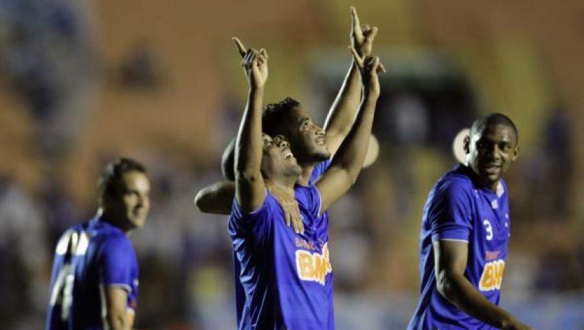 كروزيرو يتخطى بونتي بريتا ويتصدر الدوري البرازيلي