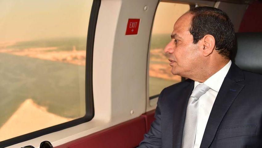 السيسي يتفقد جوًا الأعمال النهائية فى مشروع قناة السويس الجديدة