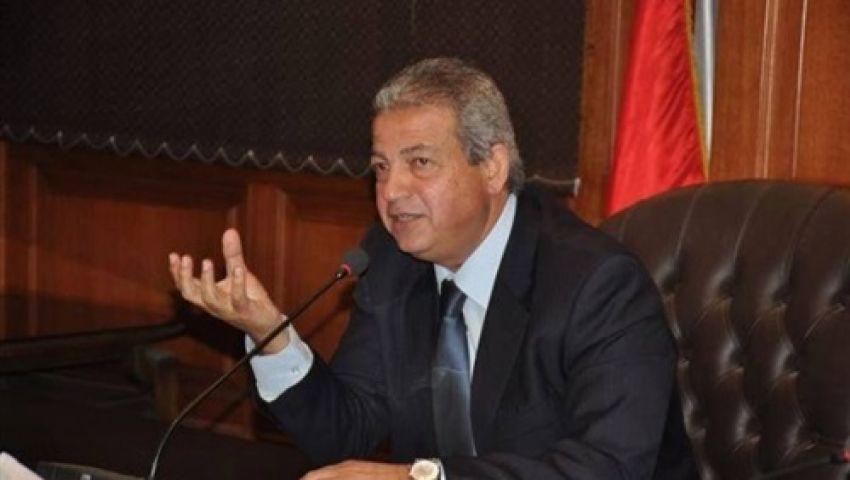 وزير الرياضة يهنئ السباح محمد خالد بالتأهل لأوليمبياد 2016