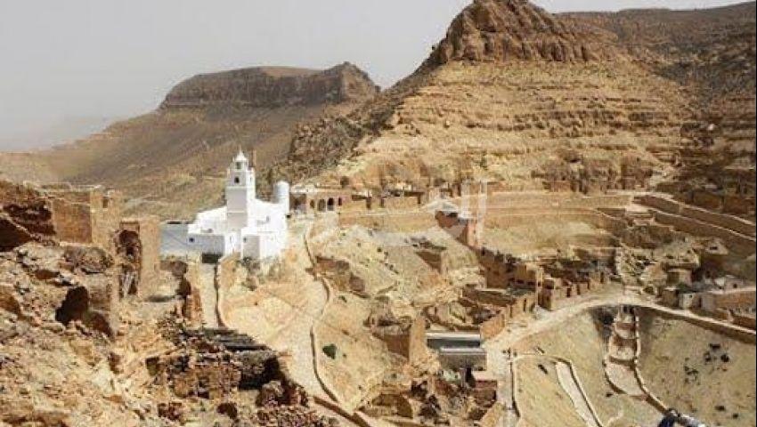 تكرونة التونسية .. ريف وجبل وصخور بين المنازل