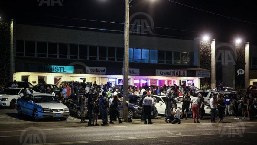 تواصل المظاهرات في ذكرى مقتل شاب أسود بأمريكا