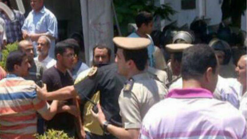 إصابات في اشتباكات بين معارضي ومؤيدي محافظ الغربية