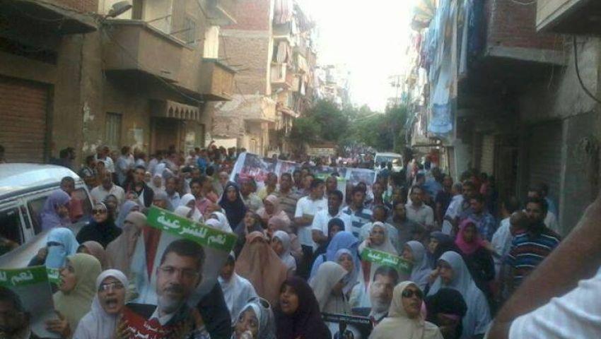 أنصار مرسي بالإسكندرية يحتشدون أمام منزل قتيل بـأبو زعبل