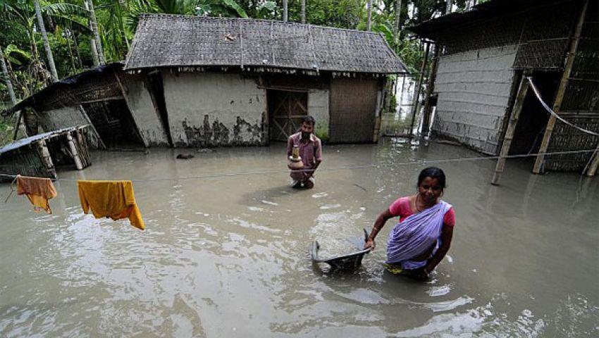 فيضانات الهند تخلِّف ألف قتيل وجنازات جماعية للضحايا