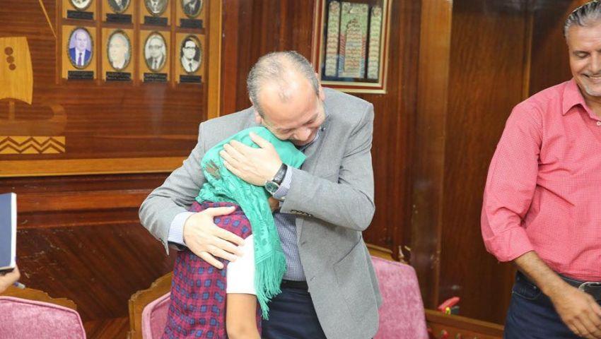 بعد واقعتي هيام وروان.. «السوشيال ميديا» رقيب يدفع المسئولين للاعتذار