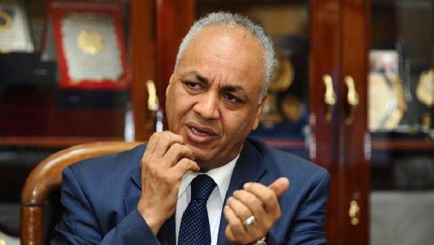 مصطفى بكري يتقدم ببلاغ ضد طارق عبد الجابر بدعوى التحريض على العنف
