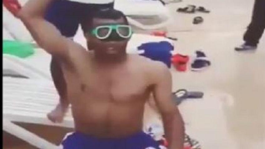 فيديو.. سيد حمدي في تحدي الثلج: وصيتكم العيال