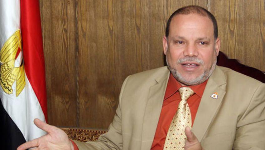 بلاغ يتهم نقيب المعلمين بدعم الرئيس المعزول