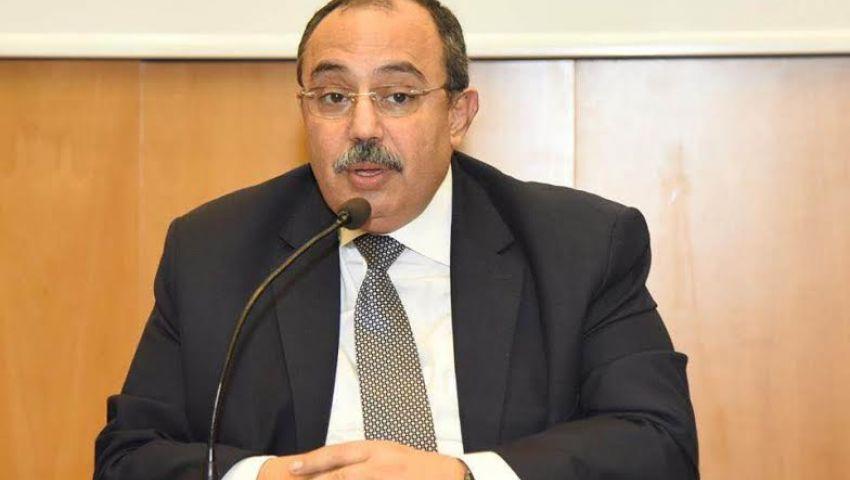 محافظ الإسكندرية يوجه برفع كفاءة الطرق