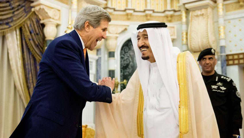 العاهل السعودي يستقبل كيري