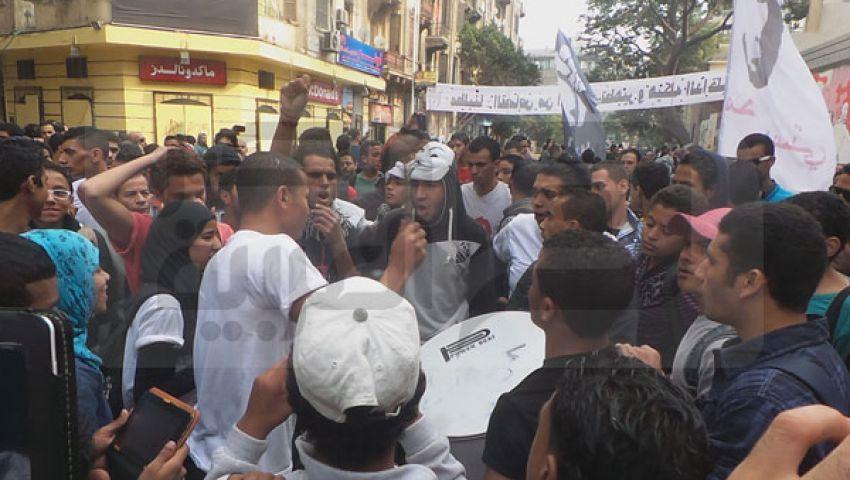 اشتباكات بين متظاهرين وأنصار السيسي بالتحرير