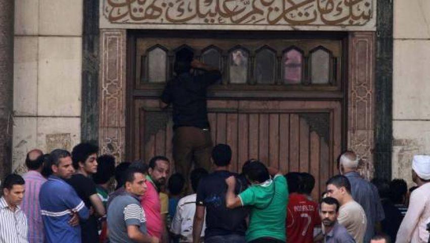 300 محتجز يضربون عن الطعام في مسجد الفتح