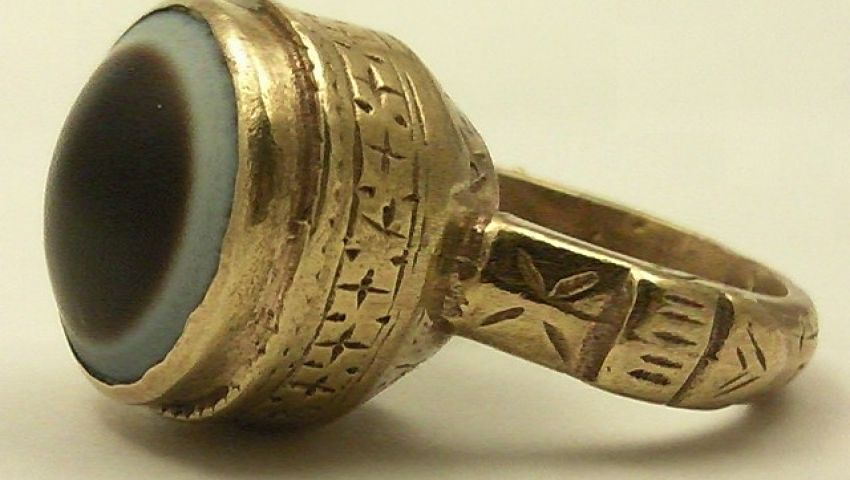 العثور على خاتم ذهبي يعود إلى ألفي عام