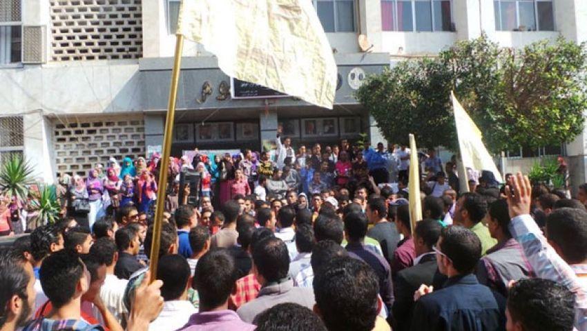 طلاب ضد الانقلاب: فصل ثلاث طالبات بـأزهر بني سويف