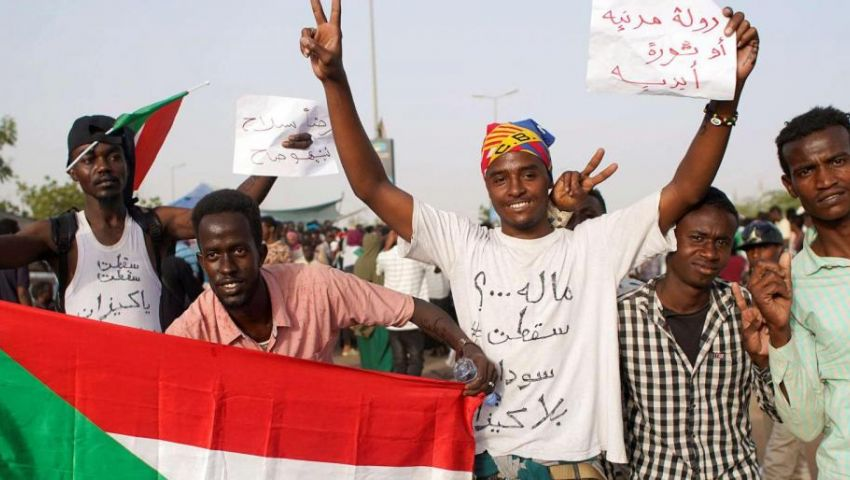 «لم تسقط بعد»..تعرف على أبرز النقاط الخلافية بين الثوار والعسكر في السودان