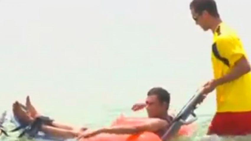فيديو.. كراسي مائية تساعد المعاقين على الاستمتاع بالبحر