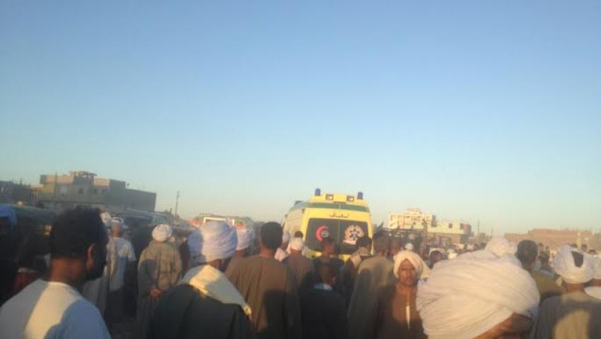 الآلاف يشيعون ثاني ضحية في أحداث العريش بقنا