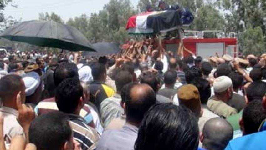 الآلاف بقرية محلة منوف يشيعون شهيد شرطة سيناء