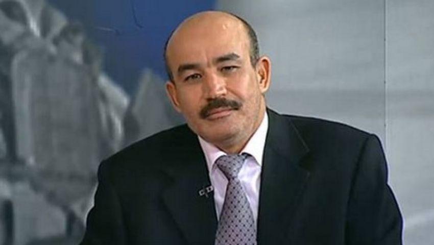 دبلوماسي جزائري: مشاركة محمود عباس في جنازة بيريز عار
