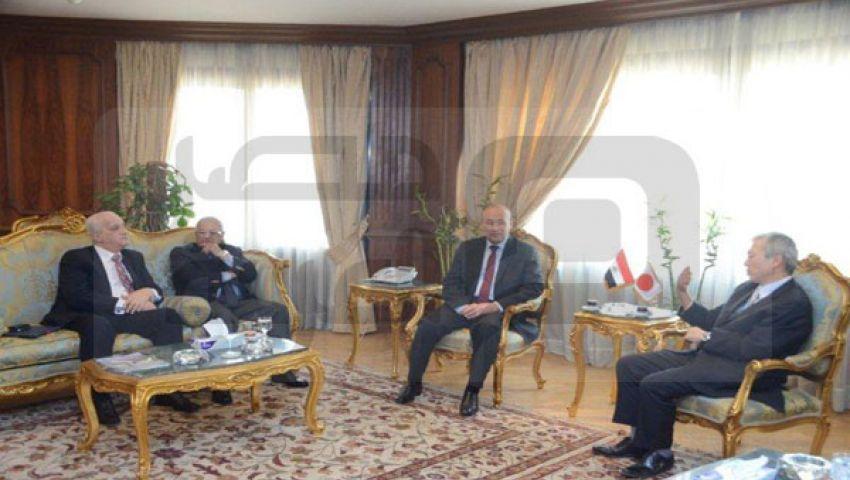وزير الطيران يبحث رفع حظر سفر اليابانيين لمصر