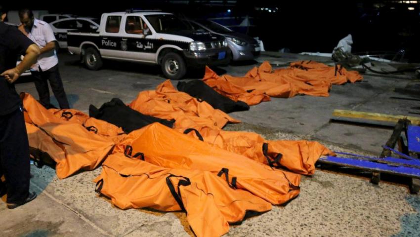 العثور على عشرات الجثث المتحللة لمهاجرين على شواطئ ليبيا