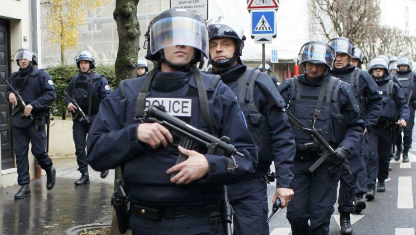 الشرطة الفرنسية تجلي متظاهرين من ساحة لاربوبليك