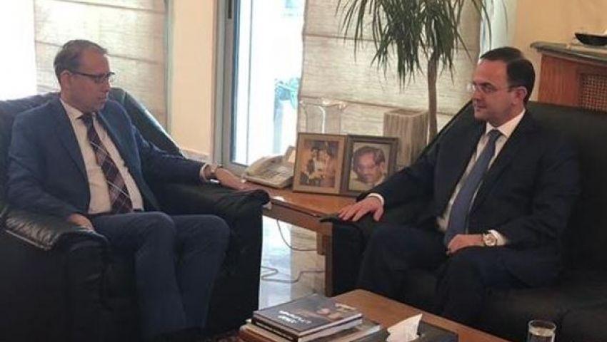 بعد اعتذاره عن تصريح القمامة.. تصرف جديد من الوزير اللبناني تجاه مصر