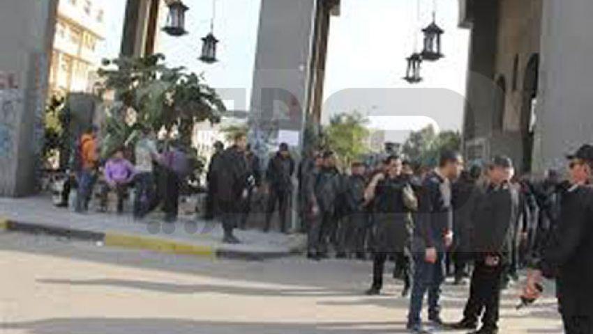 الأمن يعتقل عشرات الطلاب بجامعة الأزهر