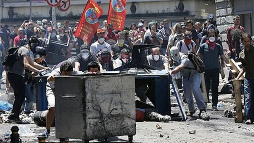 تجدد المصادمات في إسطنبول والشرطة تتلقي تعزيزات