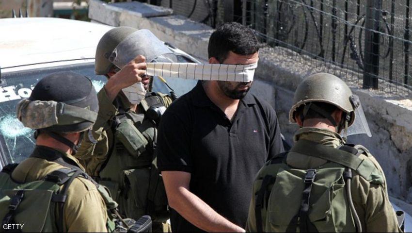 الاحتلال  الإسرائيلي يعتقل 8 فلسطينيين في أنحاء مختلفة من الضفة