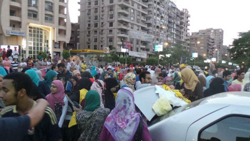 منتجات رابعة.. سلعة رائجة في مظاهرات مؤيدي مرسي