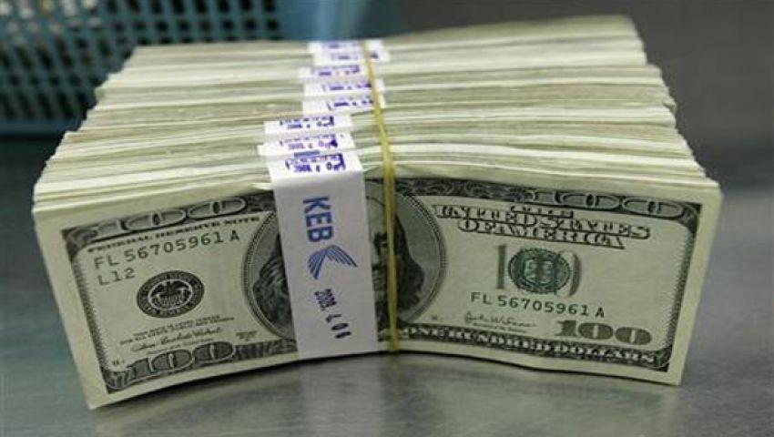 ارتفاع طفيف للدولار والجنيه يواصل انخفاضه