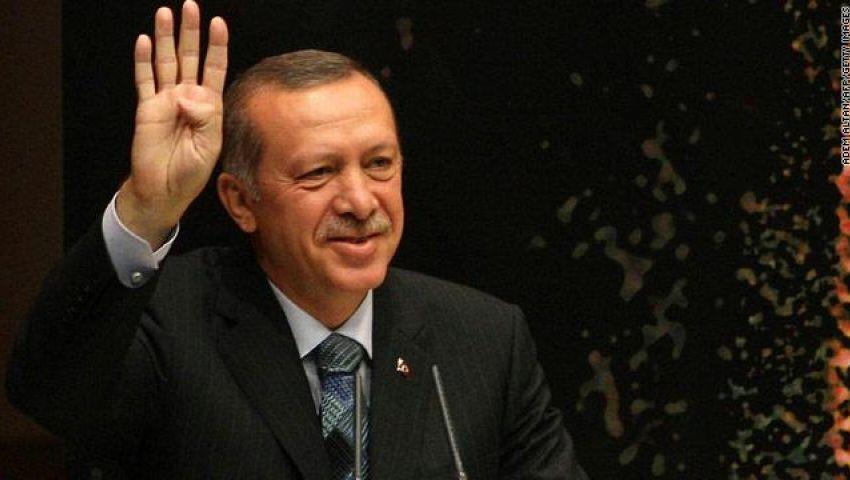 صحيفة تركية: أردوغان واجه التصعيد المصري بعلامة رابعة
