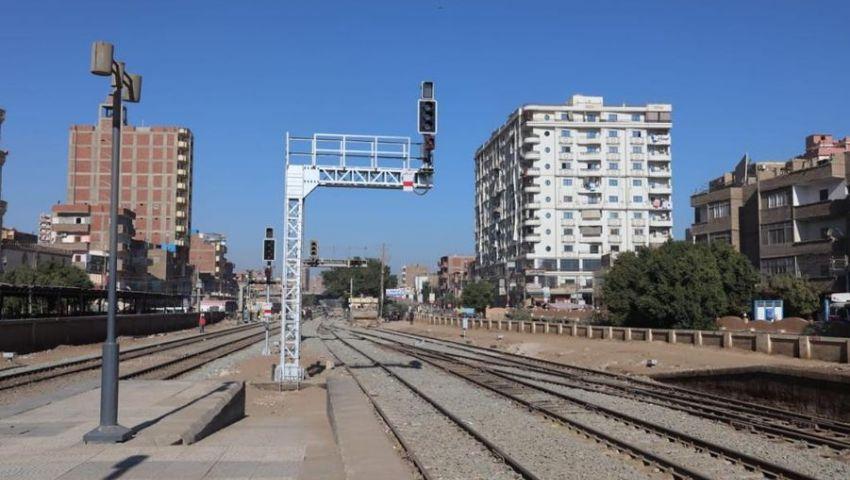 إنهاء 50% من تطوير إشارات خط قطارات أسيوط نجع حمادي