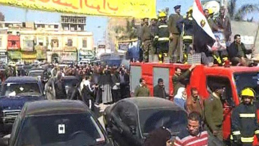 تشييع جثمان شرطي من مسقط رأسه ببني سويف