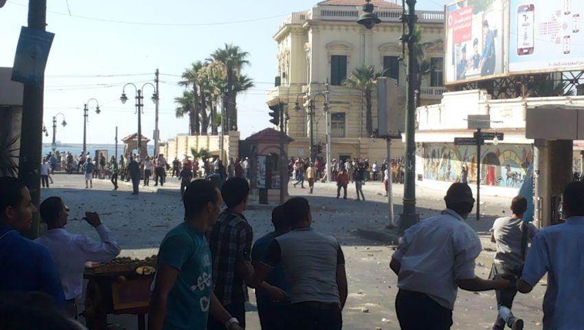 الشرطة تفرق مظاهرة مؤيدة لمرسي بالقائد إبراهيم