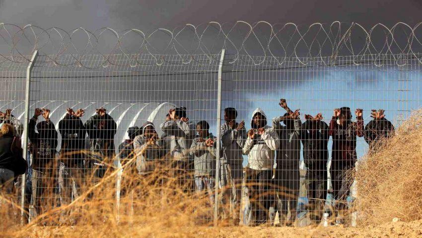 بحثا عن حياة أخرى .. شباب من غزة يتسللون إلى إسرائيل