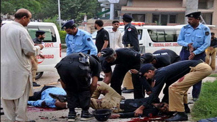مقتل 15 شخصًا بينهم 3 من الشرطة في كراتشي