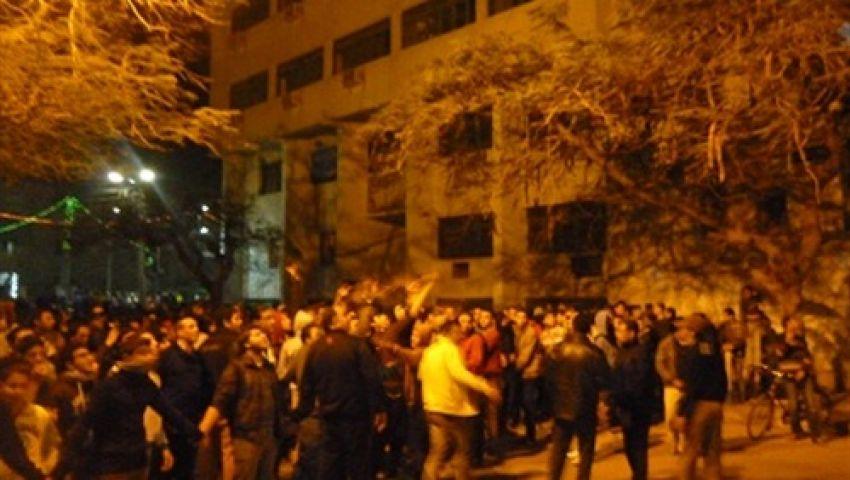 اشتباكات بين متظاهرين وقوات الأمن أمام قسم حلوان