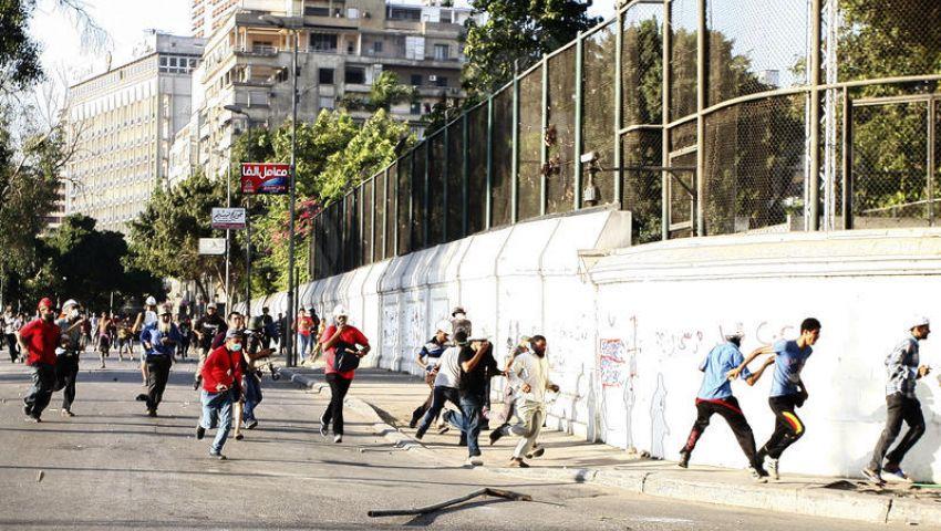 4 قتلى و23 جريحًا في اشتباكات قرب السفارة الأمريكية بالقاهرة