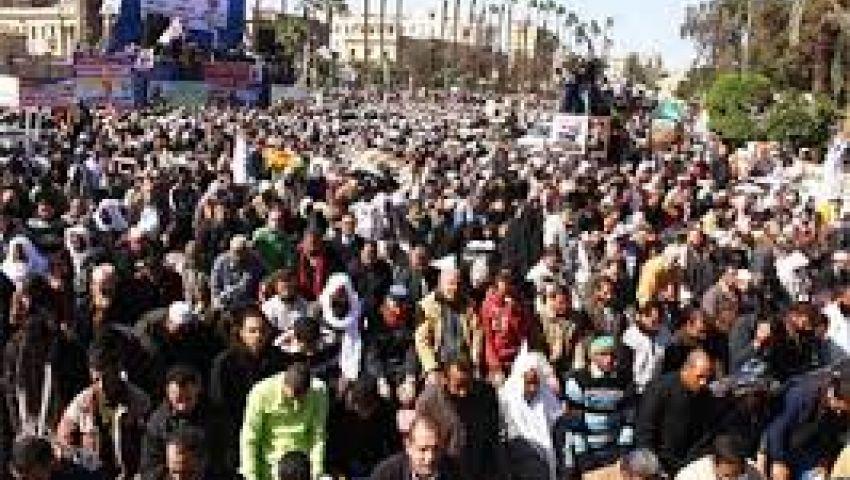 تزايد أعداد المعتصمين بميدان النهضة
