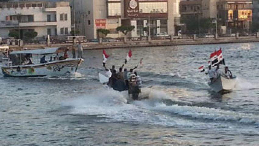 مسيرة باللنشات لميدان الساعة بدمياط تأييدًا للجيش