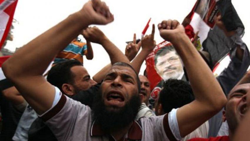 توافد متظاهرين على ميدان النهضة تأييدا لـمرسى