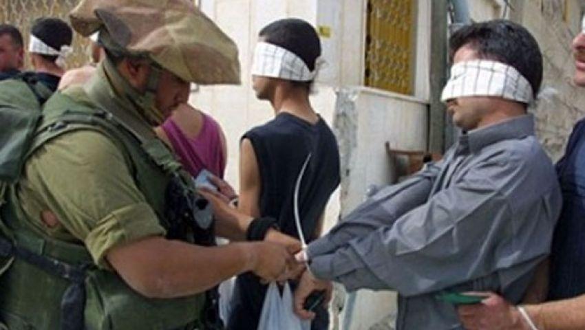 الاحتلال الإسرائيلي يعتقل 13 فلسطينيًا في الضفة