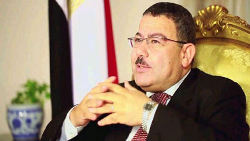 سيف عبد الفتاح: تمويل الشعب يدافع عن الرئيس من جيوبنا